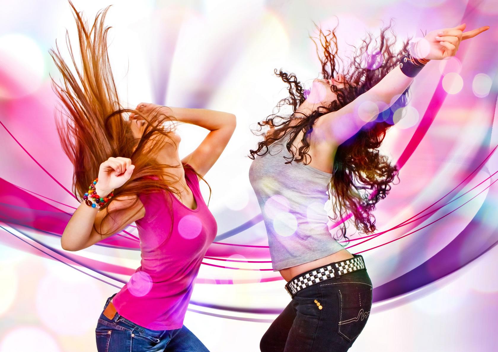 Chavas bailando